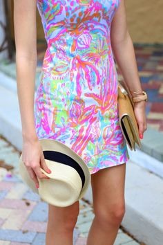 Lilly Pulitzer Whiting Cut-Out Shift in Scuba to Cuba styled by @crileypinteres