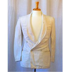 Vintage 1920s mens white refined linen dinner jacket. One button front fasten. Four button double breasted, unlined. Three button sleeve. Slit