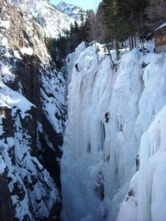 Ouray, aquaint mountain town located in Western Colorado, has something unique and unparalleled in the world - an ice park, devoted exclusivelyto ice climbing. The park boasts hundreds of climbing routes over dramatic frozen waterfalls covering many miles of pristine mountain terrain.Its free and runby a volunteer madenon profit organization.