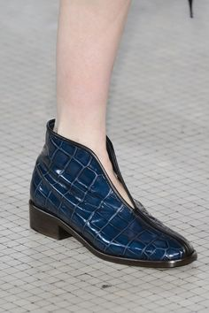 Lemaire at Paris Fashion Week Fall 2017 - Details Runway Photos