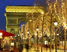 Christmas In Paris Noel A Paris Christmas In Paris Christmas Travel I Love