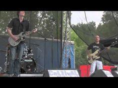 """Vidéo de Daonet au festival Celtival on the rock à Guémené Penfao, titre interprété : la version rock de Daonet de """"Tri martolod"""""""