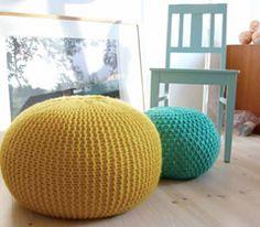 Free knitting pattern for Puff Daddy pouf knitted stool Knitting Projects, Sewing Projects, Knitting Ideas, Knitting Patterns, Crochet Projects, Pvc Projects, Crochet Crafts, Sewing Crafts, Kid Decor