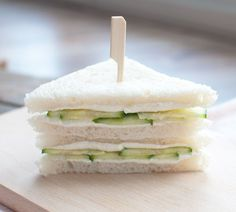 Sandwich met roomkaas en komkommer