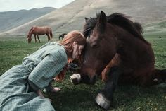 Ethereal and dramatic, Italian photographer Alessio Albi's works immerse us in different portraits imbued with strong aesthetics and palpable emotions. Horse Girl, Horse Love, The Scorpio Races, Photo Portrait, Anne Of Green Gables, Horse Photography, Horse Riding, Trail Riding, Beautiful Horses