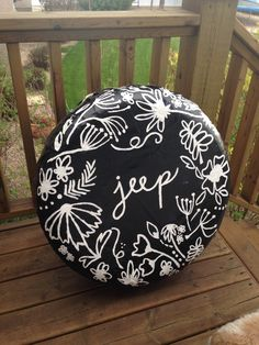 """Jeep wheel cover. """"Cheap"""" solid wheel cover, outdoor paint and a varathane cover.  Less than 25$!"""