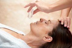 Testi, érzelmi és szellemi gyógyítás kristályokkal!  http://szellemszive.hu/kepzesek/kristalygyogyaszat-tanfolyam/