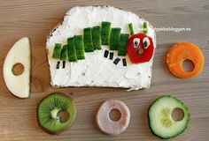 Very Hungry Caterpillar sandwich Food Art For Kids, Cooking With Kids, Kreative Snacks, Vegetable Animals, Hungry Caterpillar Party, Childrens Meals, Preschool Snacks, Chenille, Food Humor