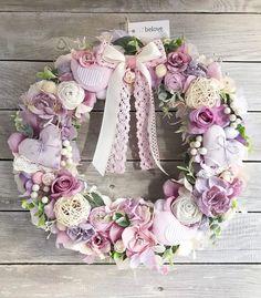 Wreaths For Front Door, Door Wreaths, Shabby Chic Wreath, Easter Wreaths, Diy Wreath, Spring Crafts, How To Make Wreaths, Floral Arrangements, Floral Wreath