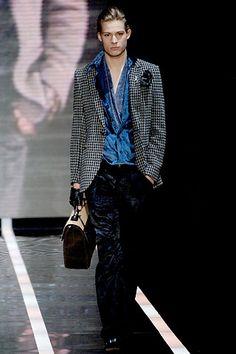 Emporio Armani Fall 2006 Menswear Fashion Show Armani Men, Giorgio Armani, Emporio Armani, High Fashion, Fashion Show, Mens Fashion, Fashion Design, Armani Collection, Suit Jacket