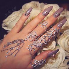 Elegant Long Nails and Gorgeous Finger Cuff. Cuff Rings from @eyelavish www.eyelavish.com ✨ #jewelry