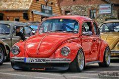 Custom Vw Bug, Vw Super Beetle, Bug Car, Vw Cars, Volkswagen Bus, Vw Beetles, Cars And Motorcycles, Cool Cars, Simile