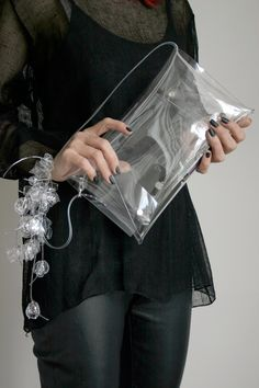 Transparent clutch by gulnur ozdaglar