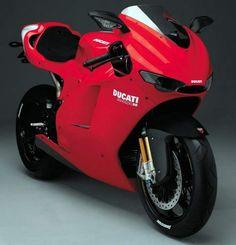 Ducati Desmosedici RR Moderna, líneas finas y sofisticada.