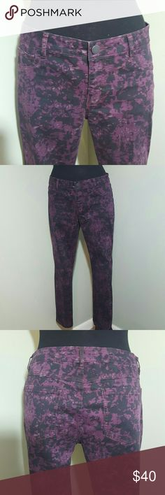"""CABi Printed Ankle Pants Perfect lightweight pants from CABi.  Excellent quality and great fit. Style Number 159 Purple , black and Gray design.  98% Cotton  2%Spandex  JA1  Unstretched Flat Measurements  Waist 17"""" Rise 9.5"""" Inseam 27"""" Hips 24"""" CAbi Pants Ankle & Cropped"""