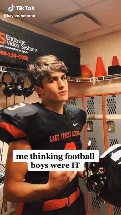 Funny Video Memes, Funny Short Videos, Really Funny Memes, Stupid Funny, Hot Baseball Guys, Football Boys, Young Cute Boys, Cute Teenage Boys, Really Hot Guys
