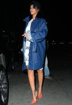 ~1/28 #リアーナ #デニムコート #Tシャツワンピース #ルブタン #outfit |海外セレブ最新画像・私服ファッション・着用ブランドチェック DailyCelebrityDiary*