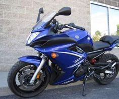 Draped in a cool blue color, this 2009 Yamaha FZ6R Sports bike exudes style and defines that touch of elegance mixed with touch of flamboyance. This sports bike is yours for every occasion and this truly will define your personality and character. Used for just about 2 years, this sports bike is sure to catch your attention whenever you plan on getting a bike for you in this category.