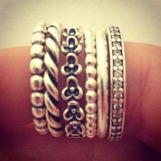 Pandora s- how to wear 6 delicate rings at once