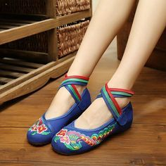 Flower Colorful Embroidery National Wind Strappy Hook Loop Flat Shoes