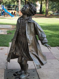 This is a statue of Ramona Quimby in Grant Park in Portland, not far from the real Klickitat Street. Henry Huggins and Ribsy statues are in the same park -- Sculptor: Lee Hunt