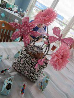 12 best purse centerpieces images centerpieces center pieces rh pinterest com Paper Purse Centerpieces Diva Centerpiece Ideas