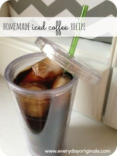 easiest homemade iced coffee recipe I just make a pot of coffee and pour it over ice cubes. I add French vanilla liquid creamer too. Easy Drink Recipes, Coffee Recipes, Yummy Drinks, Yummy Food, Tasty, Homemade Iced Coffee, Iced Coffee At Home, How To Make Ice Coffee, Chocolate Shavings