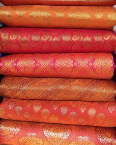 Benarsi Saree, Kanjivaram Sarees, Kurti, Brocade Suits, Brocade Fabric, Pakistani Outfits, Indian Outfits, Bridal Silk Saree, Saree Shopping