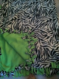 customized no sew fleece blankets!  for cheap!  good gift idea