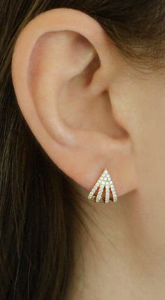 five prong diamond huggies are the perfect way to amp up your look! Solitaire Earrings, Gold Diamond Earrings, Ruby Earrings, Diamond Studs, Diamond Pendant, Earrings For Women, Tragus Earrings, Simple Earrings, Diamond Jewellery