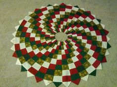 Christmas Tree Skirt  Quilts Without Corners