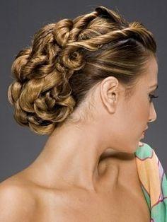 #unique wedding hairstyle