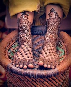 Browse the latest Mehndi Designs Ideas and images for brides online on HappyShappy! We have huge collection of Mehandi Designs for hands and legs, find and save your favorite Mehendi Design images. Latest Bridal Mehndi Designs, Mehndi Designs 2018, Unique Mehndi Designs, Wedding Mehndi Designs, Mehndi Designs For Fingers, Dulhan Mehndi Designs, Leg Mehndi, Legs Mehndi Design, Mehndi Design Pictures