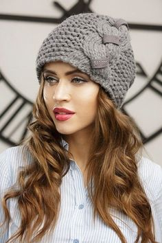 love this crochet hat. so love this KNIT hat, awesome knit hat Bonnet Crochet, Knit Crochet, Cloche Hat, Scarf Hat, Knitting Accessories, Hats For Women, Baby Knitting, Beanies, Knitted Hats