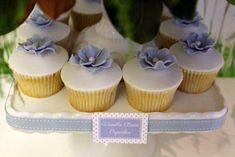 Simple flowered cupcakes