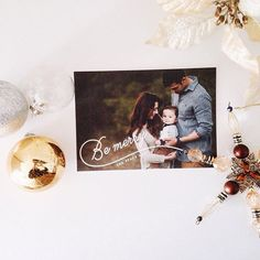 Send your loved ones a special Holiday card from Minted.