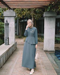 Muslim fashion 481392647671173801 - Muslim fashion 481392647671173801 Source by - Hijab Fashion Summer, Modern Hijab Fashion, Muslim Women Fashion, Hijab Fashion Inspiration, Dress Muslim Modern, Muslim Dress, Hijab Dress, Mode Abaya, Hijab Fashionista
