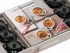 """L'ouvrage """"Café gourmand"""" et ses petites cocottes offertes pour une table remplie de petites douceurs... Prêt à déguster sur la liste de mariage Madame et Monsieur."""