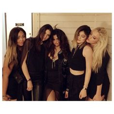 Selena Gomez, Kendall Jenner  Kylie Jenner, Jordyn Woods, Anastasia Karanikolaou and more of her friends