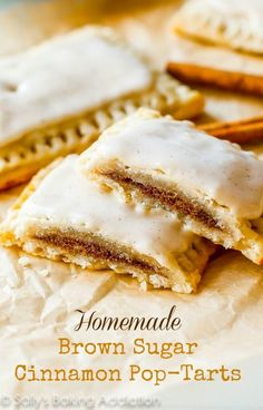 Homemade frosted brown sugar cinnamon Pop-Tarts from Sally's Baking Addiction by Sally McKenney Just Desserts, Delicious Desserts, Yummy Food, Cinnamon Pop Tart, Brown Sugar Cinnamon Poptarts, Cinnamon Recipe, Cinnamon Bread, Sallys Baking Addiction, Breakfast Dishes