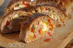 Rulada de carne tocata Meat Rolls, Romanian Food, Meatloaf, Cooking Recipes, Meat Recipes, Sushi, Side Dishes, Deserts, Good Food