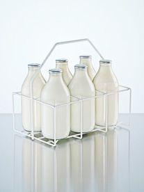 Yogurt to Cottage Cheese: 10 Unknown Uses For Powdered Milk sweetened condensed milk! Glass Milk Bottles, Milk Glass, Powdered Milk, How To Make Cheese, Ol Days, My Childhood Memories, Cottage Cheese, Good Ol, Retro