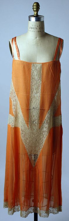 Slip, Callot Soeurs, 1926, silk with pintucks and cotton lace