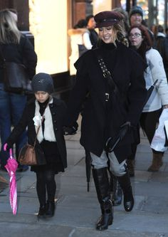 Jessica Alba and her daughter Honor in London
