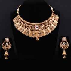 Antique Gold Necklace Set For Ethnic Wear Antique Jewellery Designs, Jewelry Design, Gold Bangles Design, Gold Jewelry Simple, My Collection, Like4like, Fashion Jewellery, Gold Jewellery, Happy Photography