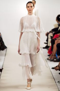 SPRING 2015 COUTURE VALENTINO COLLECTION