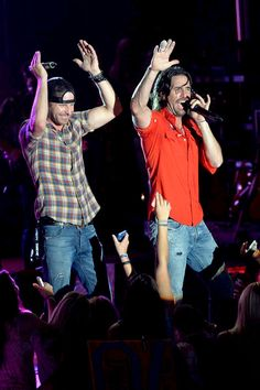 Dierks Bentley Jake Owen I'll take either or both. Country Music Artists, Country Music Stars, Country Singers, Hot Country Boys, Country Strong, Music Love, Good Music, Jake Owen, Dierks Bentley