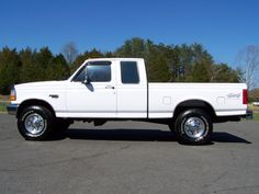 www.emautos.com 1997 Ford F250 Extended Cab XLT 4x4 7.3L Powerstroke Diesel Manual Trans