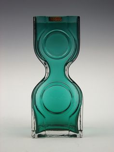 Riihimaki 'Kaappikello' teal green cased glass vase by Helena Tynell
