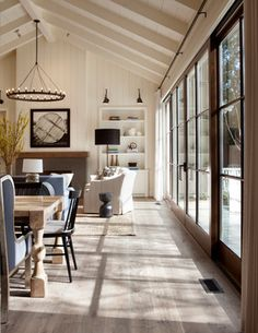 33 Amazing Modern Farmhouse Living Room Decor - Home Design House Design, Farm House Living Room, Interior, Indoor Outdoor Living, House Styles, New Homes, Home Decor, House Interior, Interior Design